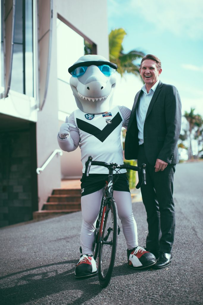 city of gold coast love to ride challenge - Dean Bowtell and Mr Sharky